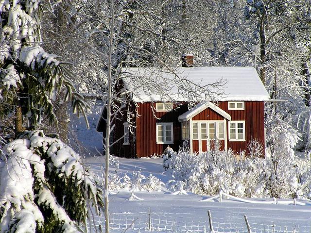 Det krävs lite extra planering att byta fönster på vintern.